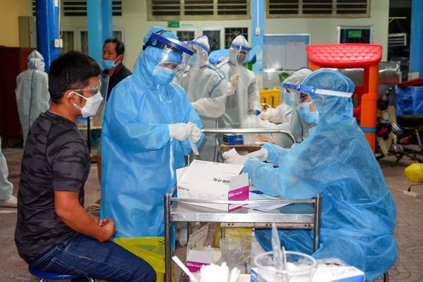 Thêm 102 ca Covid-19 mới, TP.HCM còn hơn 667 ca nghi nhiễm chủ yếu trong khu cách ly, phong tỏa
