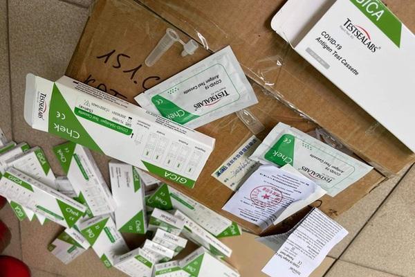 Hà Nội: Thu giữ 29 hộp test nhanh Covid-19 không hóa đơn chứng từ