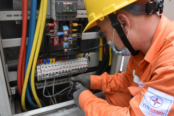 Hà Nội: Hơn 16.000 nhà trọ ký cam kết thu tiền điện đúng quy định