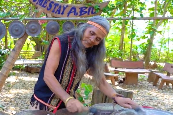 """Nghệ nhân A Biu - người được coi là """"của hiếm"""" của người Banar"""