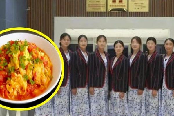 """Đồng phục của Trung Quốc tại Olympic Tokyo: Tệ hơn """"trứng sốt cà chua"""""""