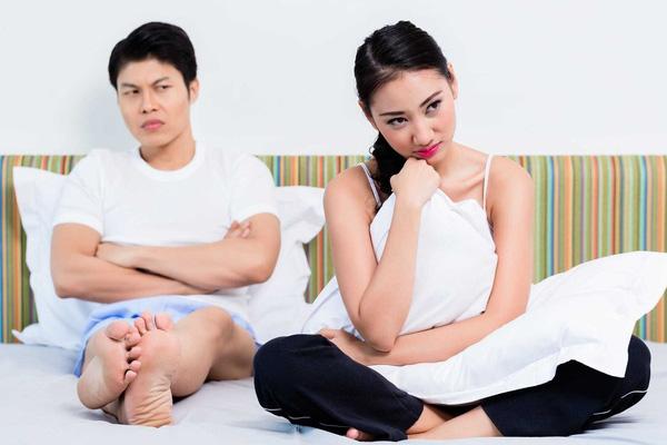 """Ly hôn chồng to khỏe, sung mãn nhưng mỗi lần ân ái lại khiến vợ """"nín thở"""""""