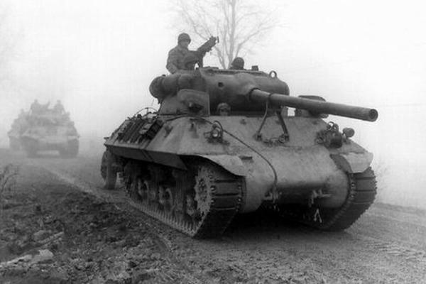 Thế chiến II: Tướng Mỹ bị cấp dưới bắt nhầm, giam 5h vì... mới lên chức