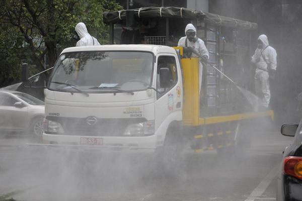 Kiểm tra Sở Chỉ huy chống dịch: Bí thư Hà Nội yêu cầu  phun khử khuẩn thành phố trên diện rộng
