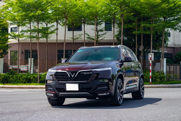 """Nuôi"" xe VinFast Lux SA2.0 trong 5 năm có cao hơn Sorento, Santa Fe?"