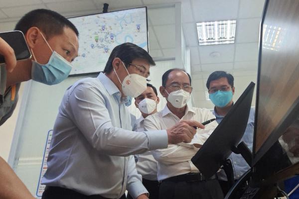 Chủ tịch Nguyễn Thành Phong thăm Trung tâm cấp cứu 115: Không để chậm trễ trong vận chuyển bệnh nhân F0