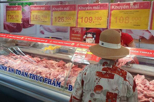 TP.HCM: Siêu thị tăng nguồn cung thịt heo, đảm bảo đủ bán trực tiếp, online lẫn lưu động