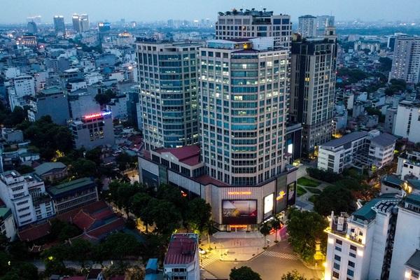 Ảnh: Khẩn trương truy vết người bị nghi nhiễm Covid-19 tại Vincom Bà Triệu, Hà Nội