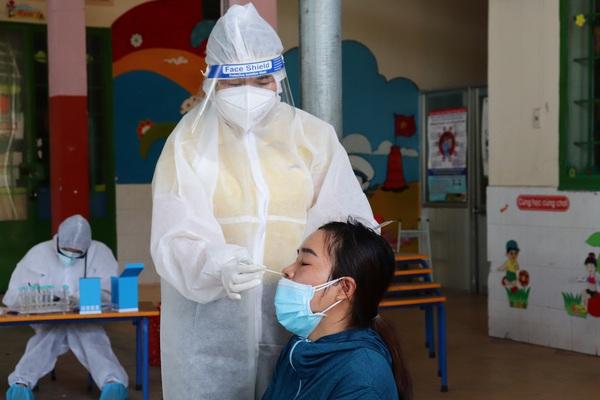"""Y, bác sĩ Đồng Nai: """"Vất vả hay khó khăn đều chịu được, chỉ mong sớm dập dịch để về với con"""""""
