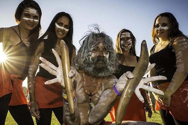Thổ dân Bundjalun - hậu duệ của Ba Anh Em huyền thoại với Vòng Bora bí ẩn