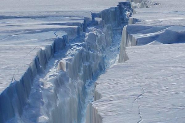 Các nhà khoa học sửng sốt sau khi phát hiện ra bụi sao cổ đại ở Nam Cực