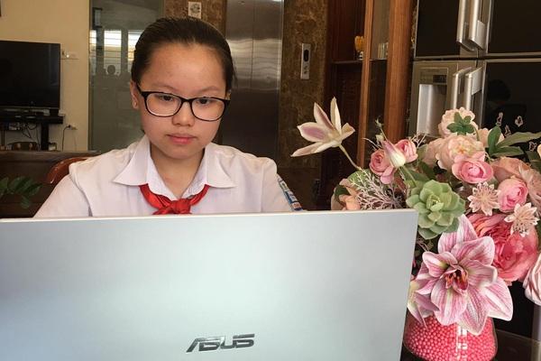 Học sinh Hà Nội thi online: Camera giám sát chặt, có gây căng thẳng? (Kỳ 1)