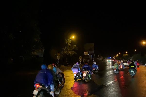 Đắk Lắk: Trắng đêm đón người dân ở vùng tâm dịch trở về