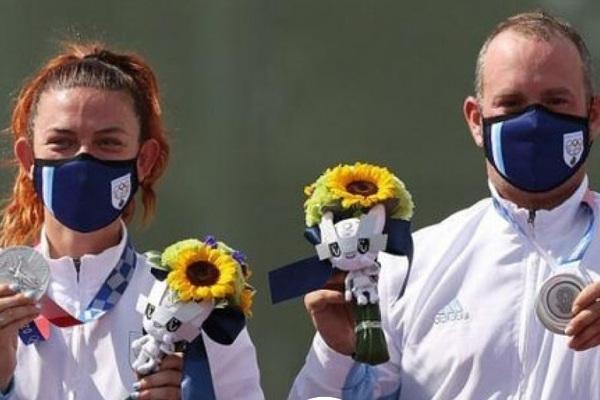 Dự Olympic 2020 với 5 VĐV, quốc gia nhỏ bé giành 2 huy chương