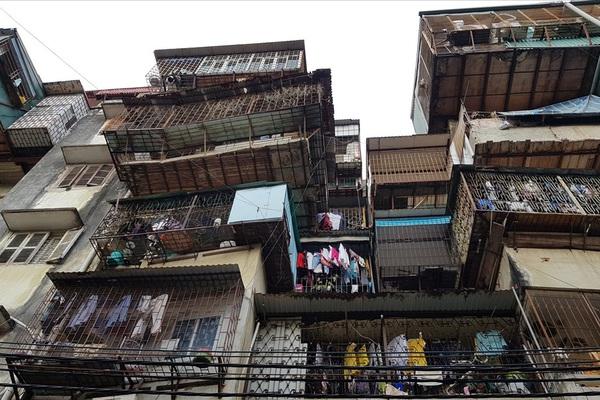 Trông chờ quy định đền bù mới, căn hộ cũ nát được 'thổi' giá tới 50 triệu đồng/m2