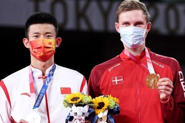 HCV cầu lông đơn nam Olympic 2020: Học tiếng Trung để đánh bại người Trung Quốc