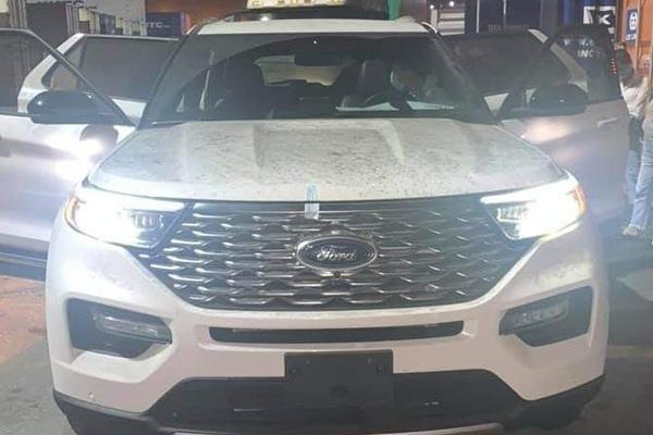 Ảnh thực tế Ford Explorer 2022 cập cảng Việt Nam, nội thất gây tò mò