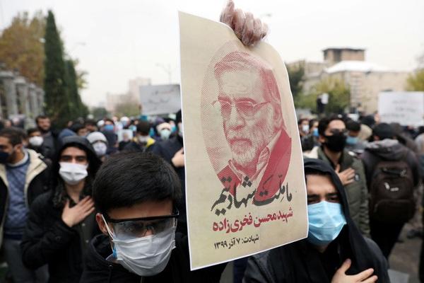 Nhà khoa học hạt nhân hàng đầu của Iran bị sát hại bởi robot công nghệ cao