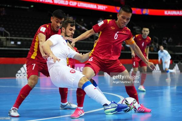 """Đội trưởng ĐT futsal Việt Nam tiết lộ """"doping"""" của bầu Tú"""