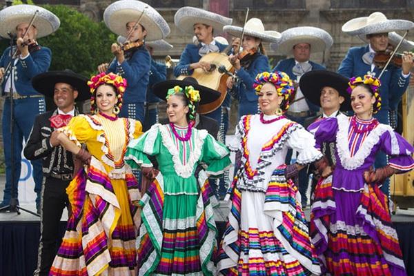 """Mexico: Độc đáo """"Ba lê trên lưng ngựa"""" tạo nét cuốn hút ấn tượng cho các tour du lịch"""