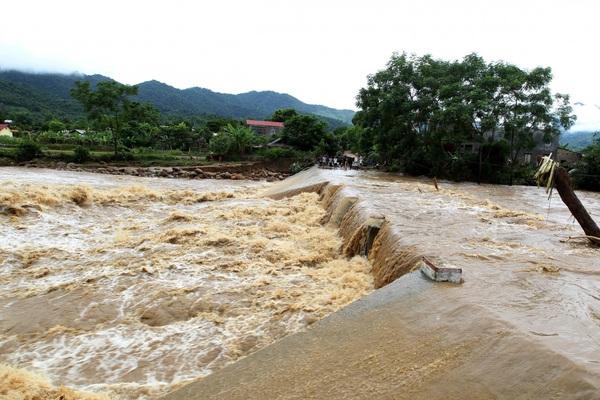 Cảnh báo lũ trên các sông từ Hà Tĩnh đến Bình Định và khu vực Bắc Tây Nguyên