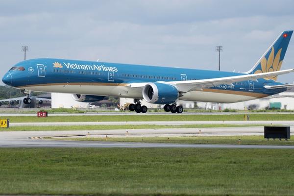 Áp giá sàn vé máy bay: Cục Hàng không báo cáo gì tới Bộ Giao thông vận tải?