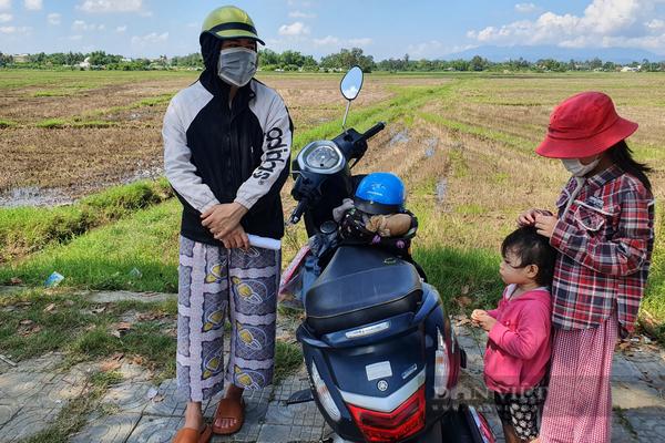 Đà Nẵng: Nhọc nhằn đường đưa con về quê nhập học thời dịch Covid-19
