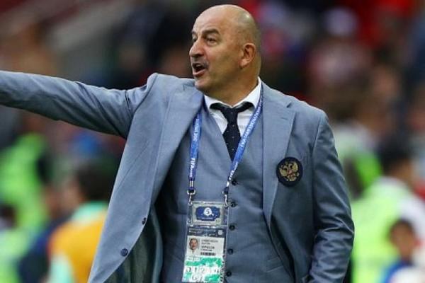 HLV ĐT Nga nhận thưởng lớn sau kỳ tích tại World Cup 2018