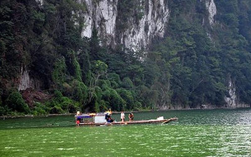 Ngược dòng sông Đà