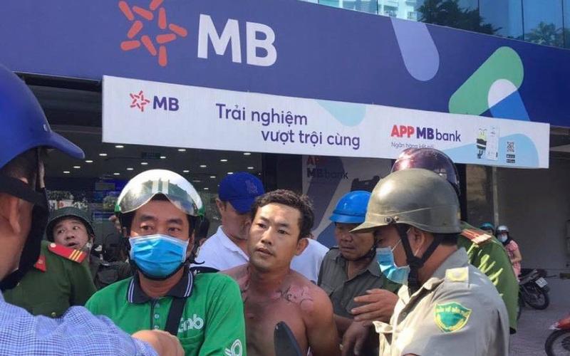 Nghi phạm tẩm xăng dọa cướp chi nhánh ngân hàng TPBank ở TP.HCM là ai?
