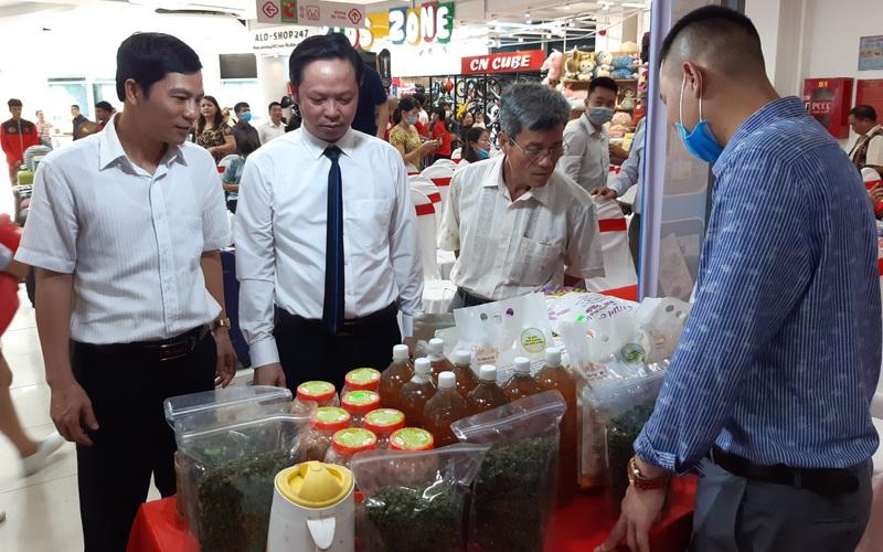 Huế: Tha hồ chọn mua nông sản chất lượng tại phiên chợ Tuần nông sản an toàn thực phẩm 2020