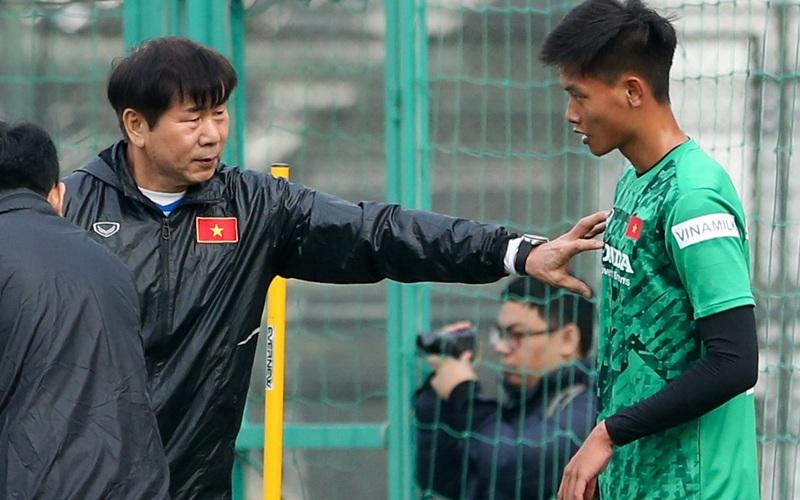 U22 Việt Nam có HLV thủ môn Hàn Quốc mới trong ngày đầu tập trung