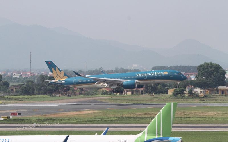 Huỷ nhiều chuyến bay do bão số 2 Sinlaku trên Biển Đông