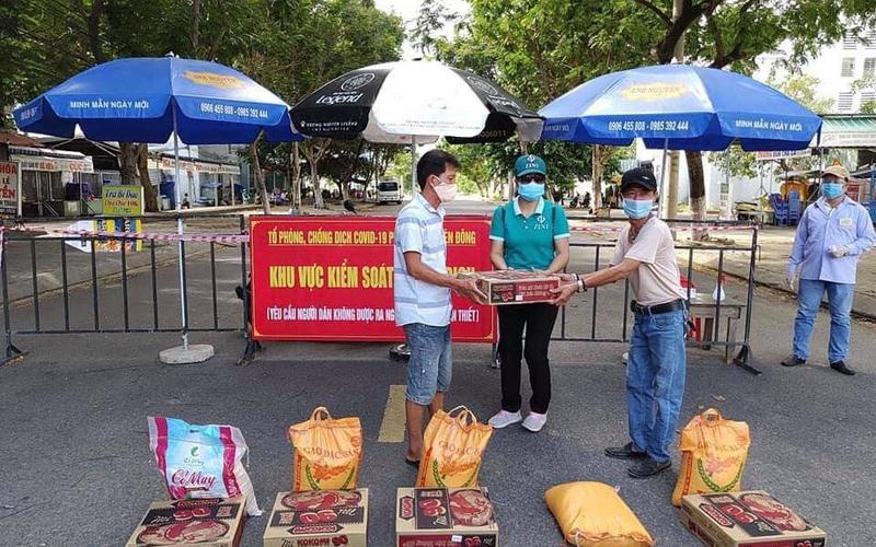Đà Nẵng hỗ trợ 10kg gạo/khẩu/tháng cho người dân gặp khó khăn