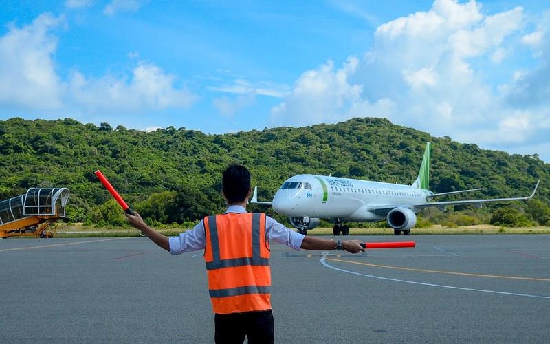 """Cục Hàng không """"nhắc nhở"""" các hãng bay thay đổi giờ bay tới Côn Đảo"""