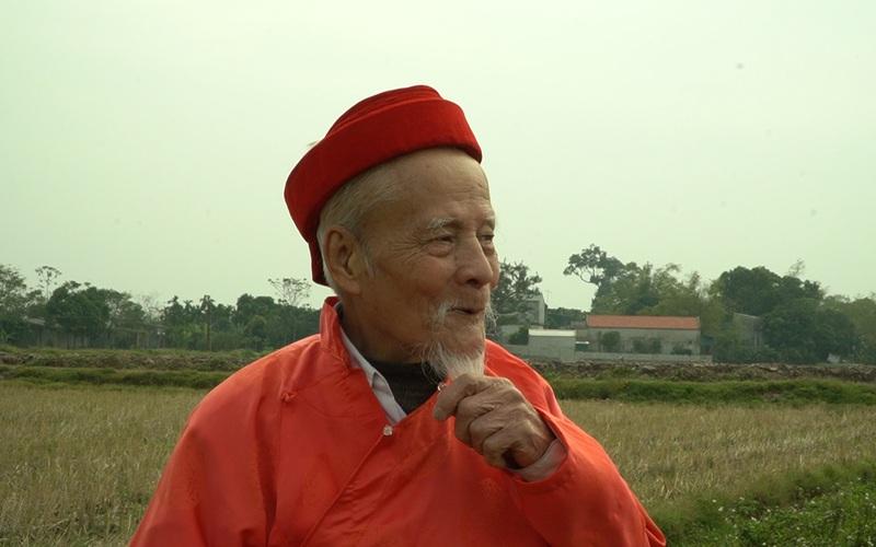 """Cụ ông 90 tuổi gần một thập kỷ """"làm vua"""""""