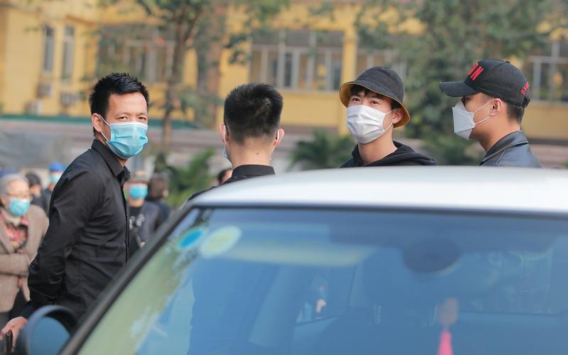 Clip: Duy Mạnh, Văn Quyết đến đưa tiễn NSND Hoàng Dũng