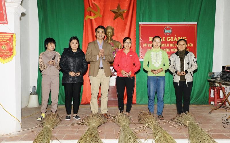 Ninh Bình: Giúp nông dân có nghề, tìm đầu ra cho sản phẩm