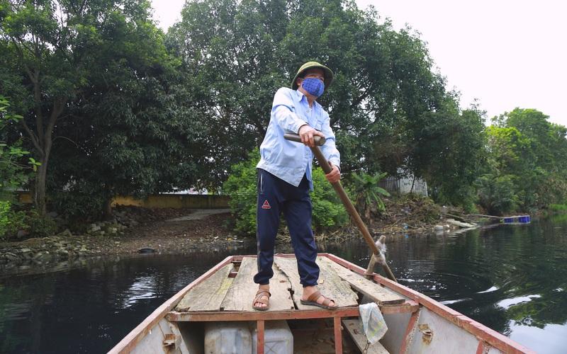 Hưng Yên: Sông Bắc Hưng Hải ô nhiễm nặng, dân đi ngủ cũng phải đeo khẩu trang
