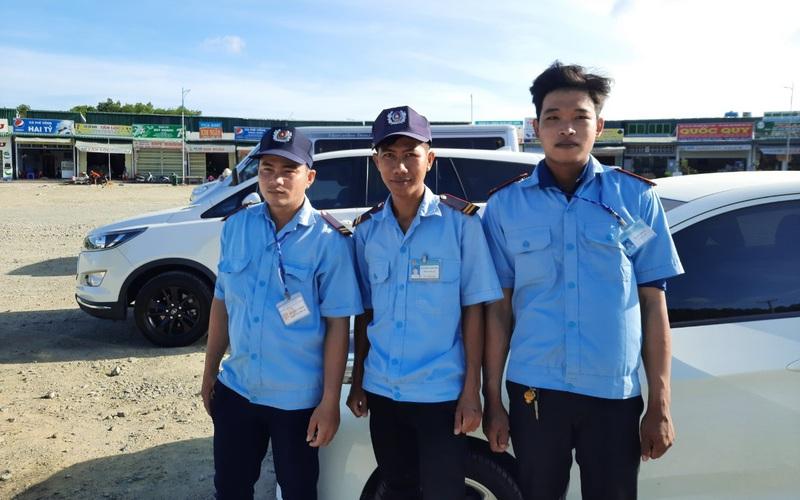 Cà Mau: 3 bảo vệ được khen thưởng vì hành động hỗ trợ du khách
