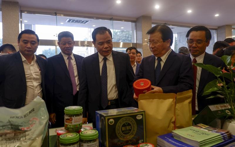 """Phó Thủ tướng Trịnh Đình Dũng: Không """"xuê xoa"""", chạy theo thành tích trong Chương trình OCOP"""