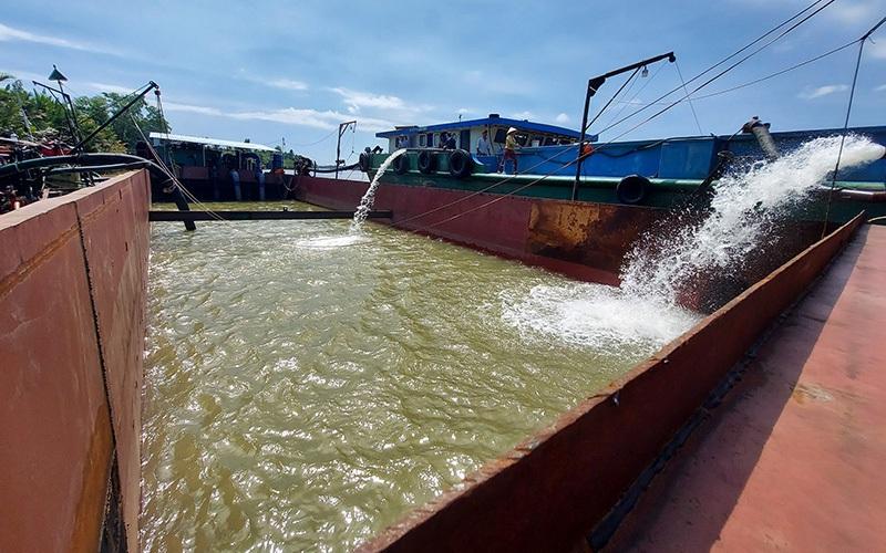 Bến Tre: Dừng thu tiền nước giá cao trong mùa hạn mặn