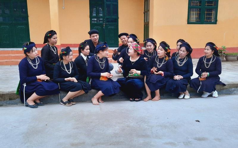 Yên Bái: Lên vùng cao Lục Yên xem người Tày Minh Xuân hát hay, múa dẻo, đàn sáo cũng tài