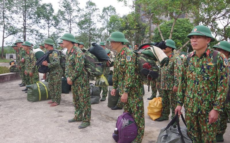 Bộ CHQS TT-Huế điều động lực lượng tăng cường cho khu vực biên giới để phòng chống dịch Covid-19