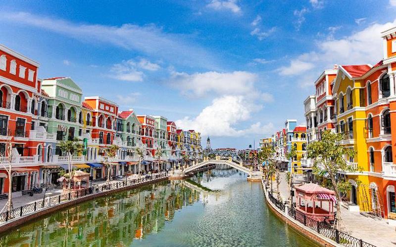 """Du lịch bán lẻ """"cập bến"""" Việt Nam với quy mô lớn và các công trình kỷ lục tại Phú Quốc"""