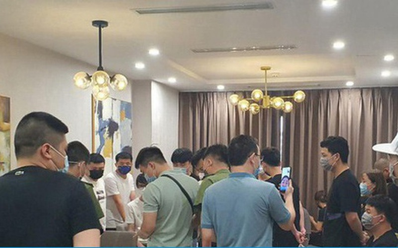 12 người Trung Quốc cố thủ trong căn hộ ở Hà Nội, Công an phá khóa