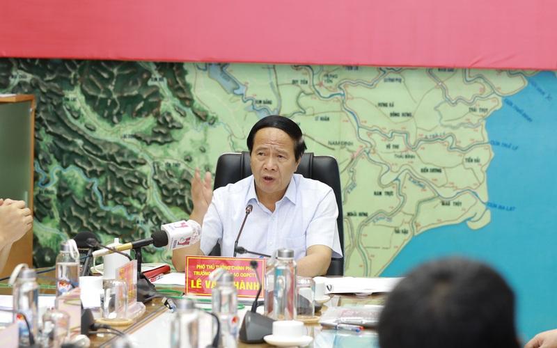 Phó Thủ tướng Lê Văn Thành: Đảm bảo tuyệt đối an toàn cho dòng người về quê khi có bão
