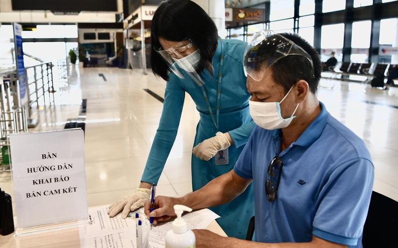 Hà Nội lý giải vì sao cách ly 7 ngày toàn bộ người đi máy bay từ TP HCM?