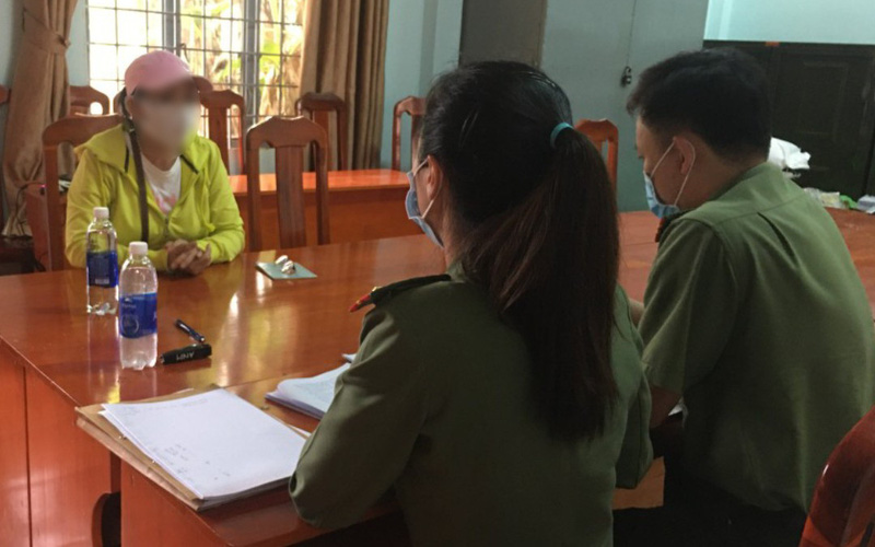 """Lâm Đồng: Xử phạt người phụ nữ đăng tin """"nước Thánh Thiên"""" chữa được Covid-19"""