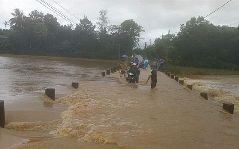 Phó Thủ tướng yêu cầu chuẩn bị phương án ứng phó với bão và mưa lũ tại miền Trung